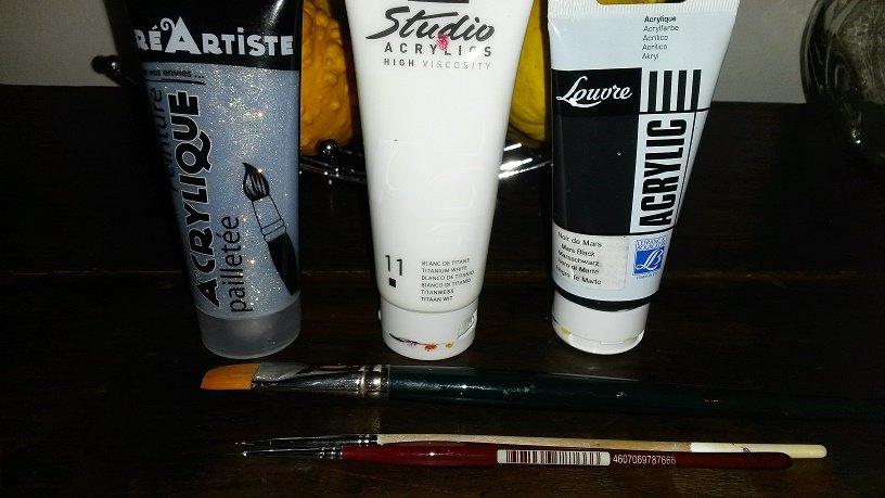 Attrape f es les d buts d 39 une nail art addict for Peinture a paillette blanche